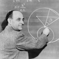 http://bib56.ulb.ac.be/uploads/r/null/0/7/8/078c2bda35f269858a688bca6f5149c928b7c8797babcdf1e781a22cec3f0ffe/Enrico_Fermi_at_the_blackboard.jpg