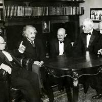 http://bib56.ulb.ac.be/uploads/r/null/f/1/c/f1c96c73e1af2296072ce9d3ac0d3ba5eefa3756a4f9d3230c88fe0d633f1428/Nernst__Einstein__Planck__Millikan__Laue_in_1931.jpg